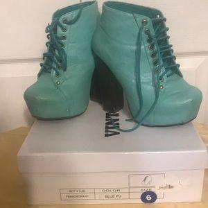 Vintage teal blue platform shoe